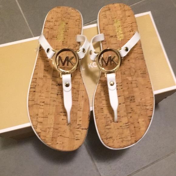 Salemichael Kors White Gold Sandals